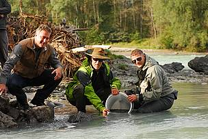 WWF Austrias River Ambassador Toni Innauer  a former Olympic gold medalist in ski jumping  has given his support for Austrias living rivers by releasing into the river Inn 40,000 native fish.