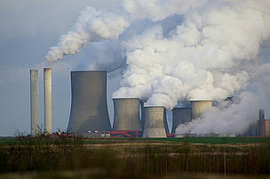 Niederauem in Germany is the 3rd worst performing power station in Europe based on WWF's Dirty 30 ... / &copy;: Richard Brand / Flickr.com