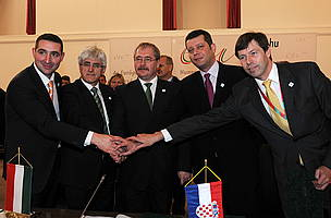 Mr Oliver Dulic, Mr Roko Žarnic, Mr Sándor Fazekas, Mr Jasen Mesic and Mr Günter Liebel after signing the historic declaration.