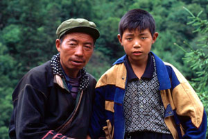Locals from the Baïma tribal group at Wanglang Nature Reserve.  / ©: WWF-Canon / John E. NEWBY