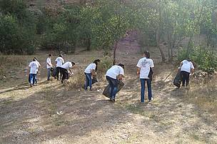 Cleaning Upi Gorge in Noravank Area