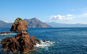 The natural reserve of Scandola in the French Island of Corsica is a model for MPAs around the Med. / &copy;: Scandola Natural Reserve