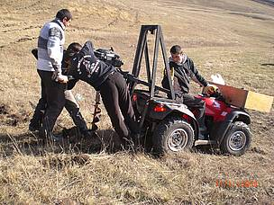 Innovative fencing works / ©: WWF Armenia