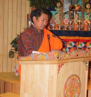 Minister of Agriculture & Forests, Lyonpo (Dr) Pema Gyamtsho presenting the Ramsar case to the Parliament (c)WWF Bhutan