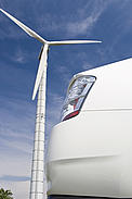 Hybrid car with wind turbine / ©: Istockphoto.com / WWF-Canada