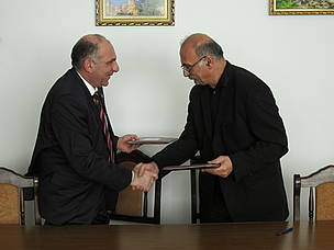 Exchanging the signed Memoranda
