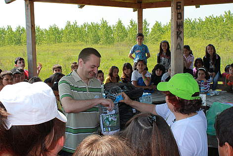 Romanian ambassador to Bulgaria H.E. Anton Pakuretu at WWF's National Day of the Nature Parks 2011 ... / ©: Persina Nature Park archive