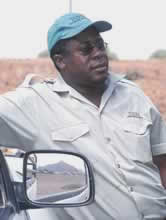 Vitalis Florry, manager of the Torra Conservancy's game guides. / &copy;: WWF-Canon / Jan Vertefeuille