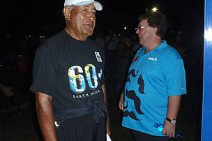 A light moment with ANZ CEO Norman Wilson at Sukuna Park  before the 30 k walk.
