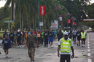Rounding the first 15 kilometers of the march along Victoria Parade headed back for Sukuna Park