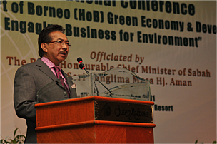 http://awsassets.panda.org/img/right_honourable_chief_minister_of_sabah__datuk_seri_panglima_musa_hj__aman_413360.png