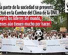 Manifestantes y personal de WWF en la marcha por el cambio climático, 2014