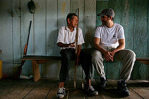 Saul Rojas Hota, the oldest resident of New York, sitting next to Sebastian Suito of WWF. New York ... / ©: Brent Stirton / Getty Images / WWF