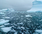 Melting sea ice and icebergs in the Arctic WWF-Canon / Wim van Pessel