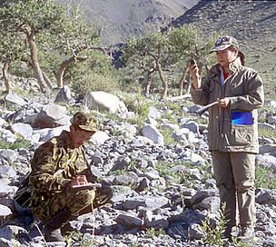 WWF research team monitoring snow leopard presence in the Altan Khokki range, Khar Us Nuur National ... / ©: Hartmut Jungius / WWF-Canon