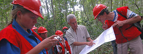 Crew that attended the tree felling for Un Árbol Bolivia Project in May, 2006. rel=